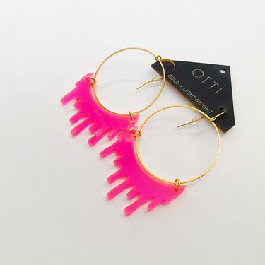 Slime Earrings in Fluorescent Pink