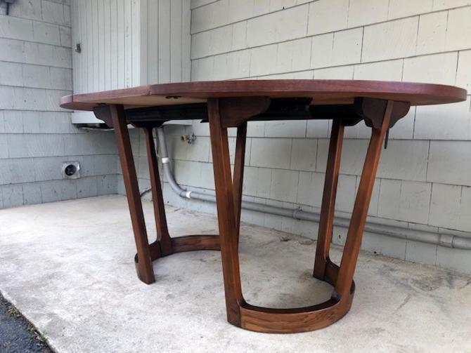 Midcentury Lane Dining Table with Leaves