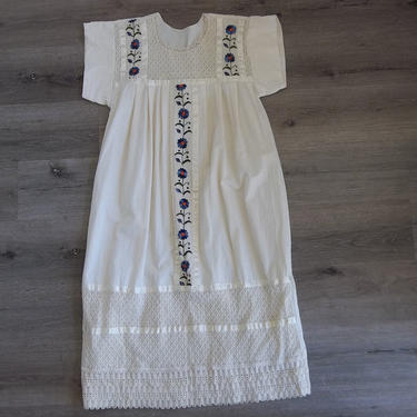 Vintage Mexican Dress Embroidered 1990s Lace Boho Cotton Frida Kahlo Peasant Native American Maya Aztec Large Comfy Festival Pretty Dress by RetroVintageClothing