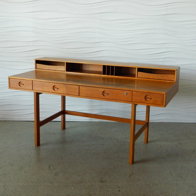 HA-C7966 Teak Lovig Desk (1973)