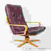 Bentwood lounge chair with leather upholstery