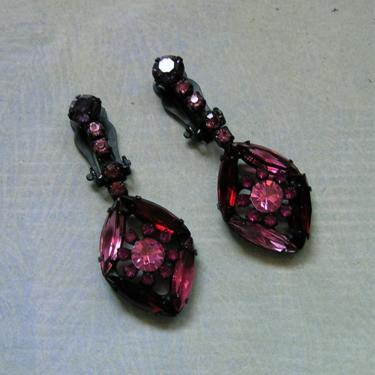 Vintage 1950's Unsigned Weiss Rhinestone Clip On Earrings, Mid-Century Red and Pink Earrings, Japanned Black Metal Earrings (#3877) by keepsakejewels