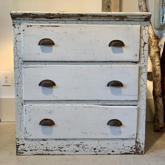 Vintage Chippy 3-Drawer Chest