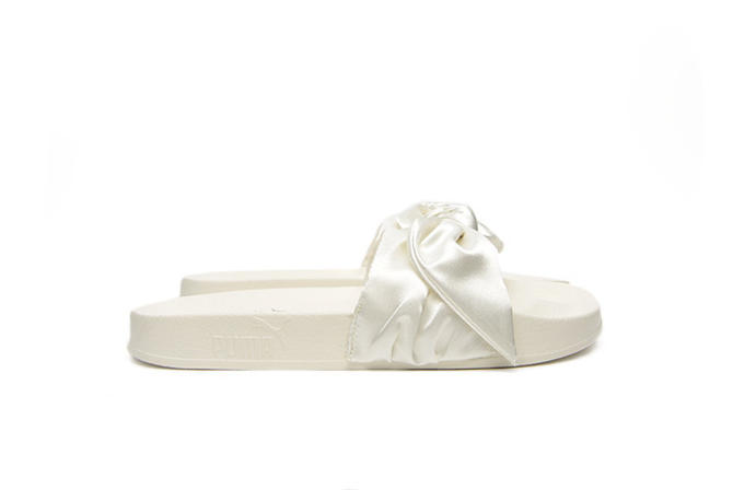outlet store 1cdef c6044 Fenty By Rihanna Bow Slide (Marshmallow)