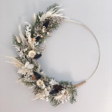 Pampas wreath, Dried flower wreath, White pampas wreath, Contemporary wreath, Neutral holiday wreath by NovaWreaths