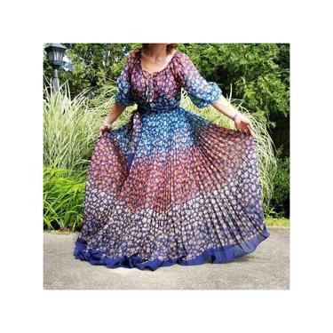 Vintage 70s Boho Floral Skirt Set, Small / Gauzy Maxi Skirt & Peasant Blouse Two Piece Ensemble / Sweeping Ombre Muslin 1970s Prairie Dress by SoughtClothier