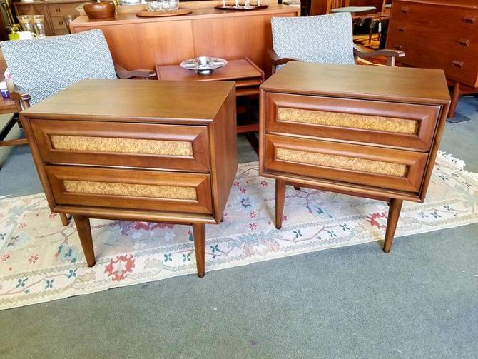 Pair of Mid-Century Modern walnut and burlwood nightstands