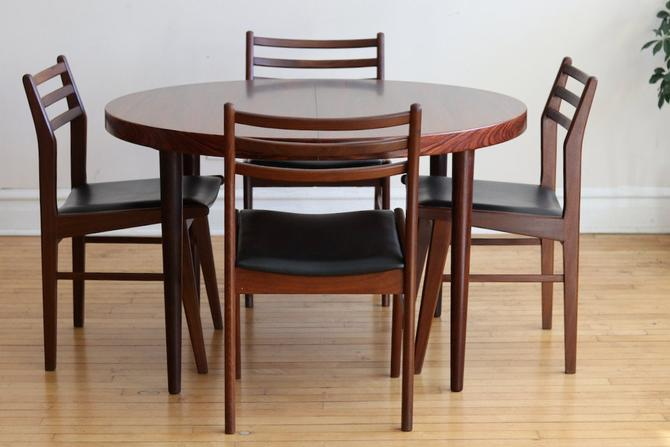 Mid Century Danish Modern Round Rosewood Dining Table by SharkGravy