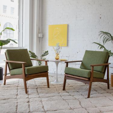 Olive Green Lounge Chair