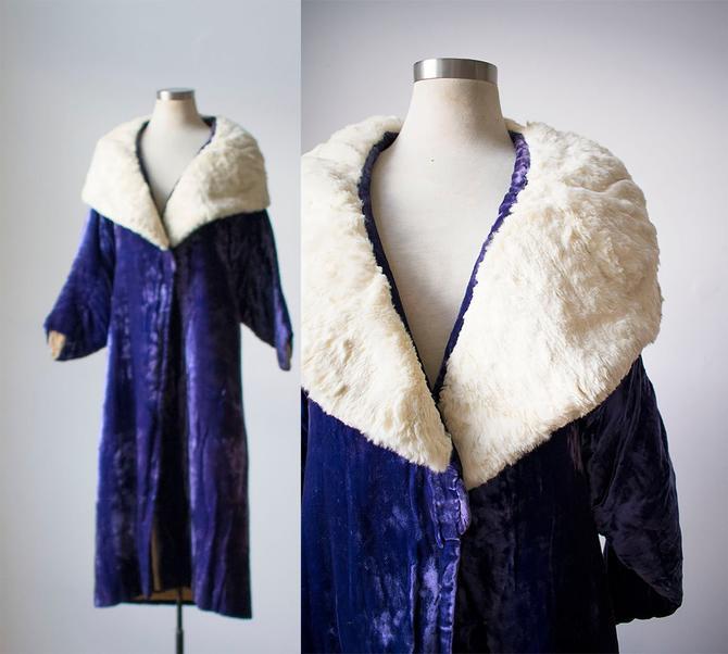 1920s Purple Velvet Evening Coat / Purple Velvet Coat with White Fur Collar / 1920s Fashion / Boardwalk Empire Style Coat / 1920s Coat