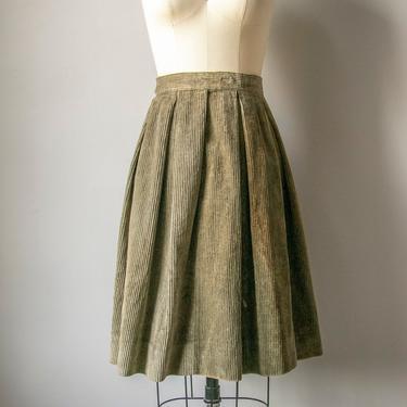 1950s Full Skirt Cotton Corduroy Green S by dejavintageboutique