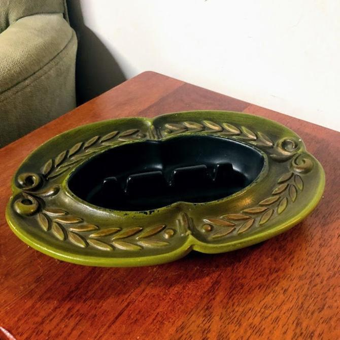 Vintage Mid Century Modern Haeger Pottery Green Ashtray 1068 by OverTheYearsFinds