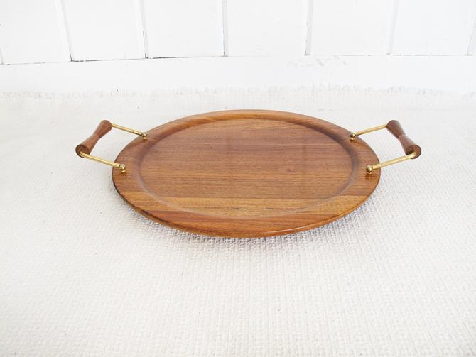 Beautiful Midcentury-Modern Round Walnut Wood Tray with Brass and Wood handles by PortlandRevibe