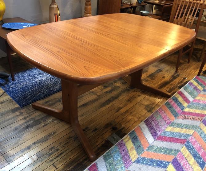 Large Danish Teak Dining Table w/2 leaves