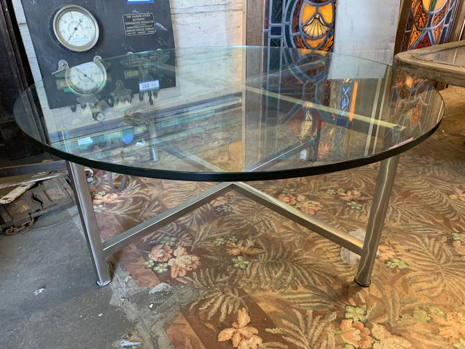 Round glass top coffee table 16.25H x 40Dia