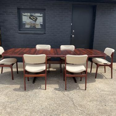 Danish Rosewood Dining Table & Chairs by Skovby