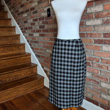 Vintage 1980's Bill Blass Black and Gray Checkered Skirt by BeesKneesVintageDC