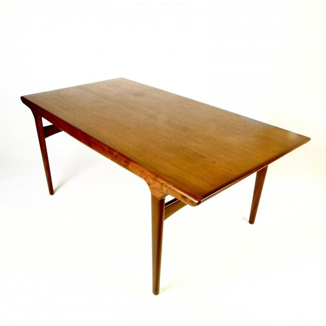Early Johannes Andersen Dining Table With Leaf