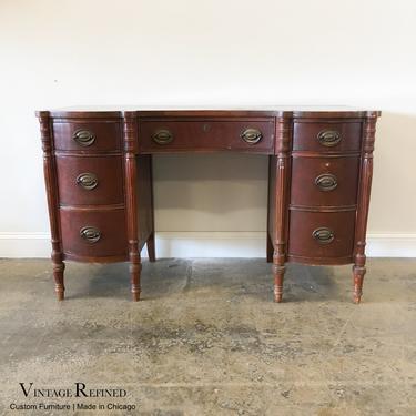 CUSTOMIZABLE: Traditional Desk / Vanity by VintageRefinedDecor