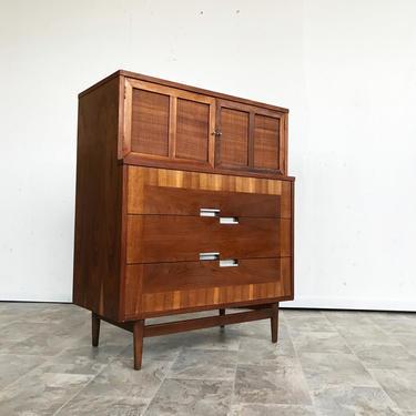 Mid Century  American of Martinsville Dresser