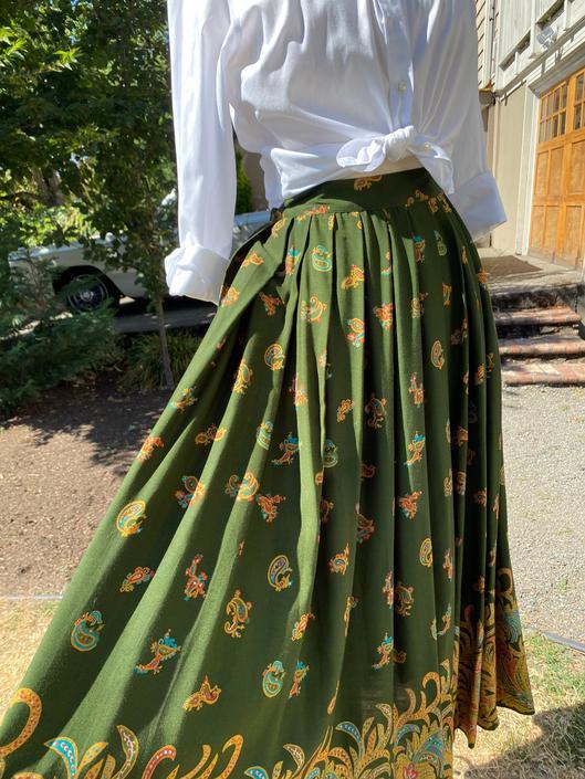 "90's Beautiful olive green high waist pleated skirt~ knife pleats~ 1990's boho VTG paisley size 27"" waist by HattiesVintagePDX"