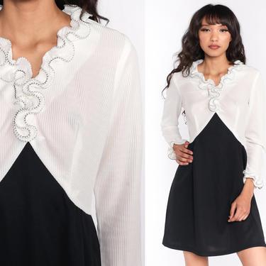 Ruffle Babydoll Dress 60s Mod Mini Black White Dress Party Empire Waist 70s Vintage Gogo Sixties Twiggy Long sleeve Ruffle V Neck Medium by ShopExile
