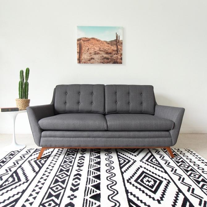 """""""Birdie Vintage"""" Grey Sofa"""