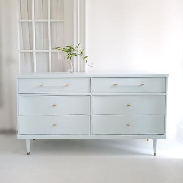 Beautiful mid century dresser credenza