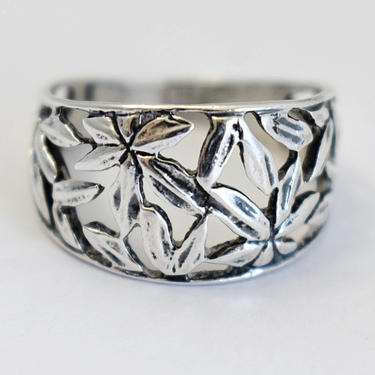 70's size 8 open work sterling marijuana leaves graduated hippie band, handcrafted 925 silver abstract cannabis rocker ring by BetseysBeauties