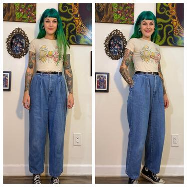 Vintage 1980's Light Wash Levi's Mom Jeans by SurrealistVintage