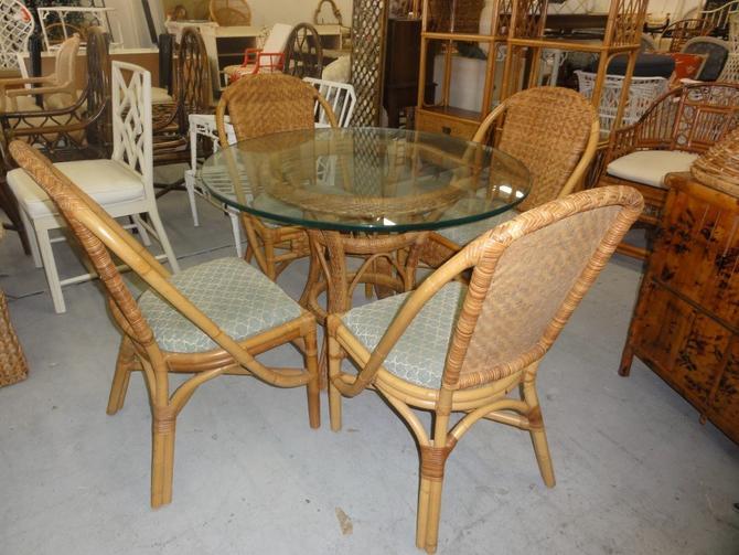 Island Style Rattan Table & Chair set.