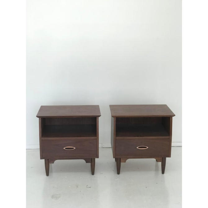 Mid Century Modern Vintage Nightstands-A Pair by VintageOnPoint