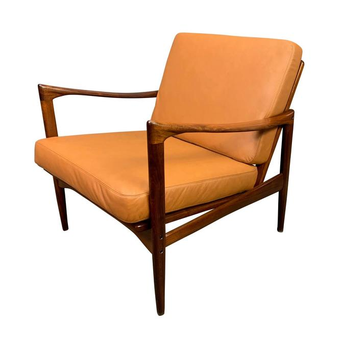 """Vintage Scandinavian Mid Century Walnut & Leather """"Candidate"""" Lounge Chair by Ib Kofod Larsen for Ope Mobler. by AymerickModern"""