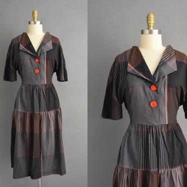 vintage 1950s   Black Plaid Print Short Sleeve Full Skirt Cotton Shirt Dress   Medium Large   50s dress by simplicityisbliss