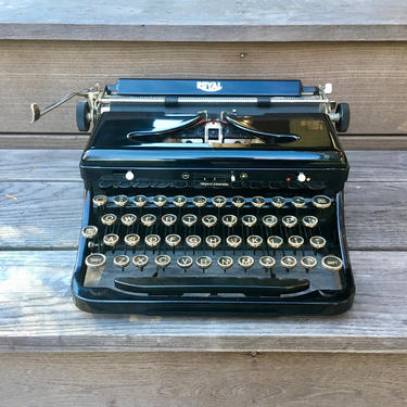 1937 Royal Model O Portable Typewriter, New Ribbon, Oner's Manual, Case by Deco2Go
