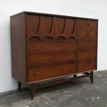 Broyhill Brasilia Magna Gentlemans Dresser Chest of Drawers Mid Century 2133