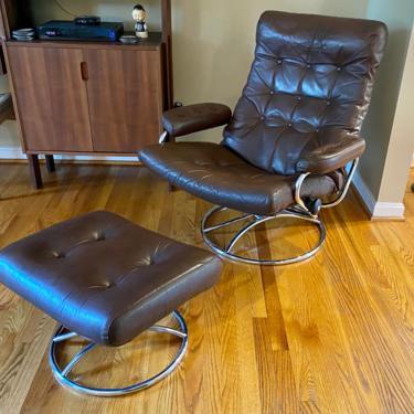 Vintage Ekornes Stressless Scandinavian Modern Lounge Chair & Ottoman Leather Chrome by MSGEngineering