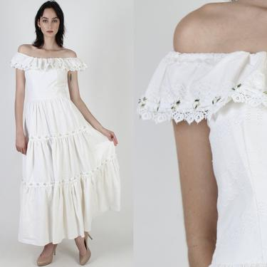 White Floral LaceSaloon Dress / Off The Shoulders Western Dress / 70s Antique Plantation Dress / Long Full Skirt Prairie Maxi Dress by americanarchive