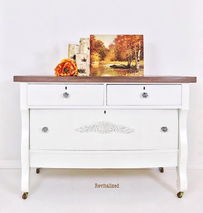 Farmhouse 3-Drawer Dresser by RevitalizedStore