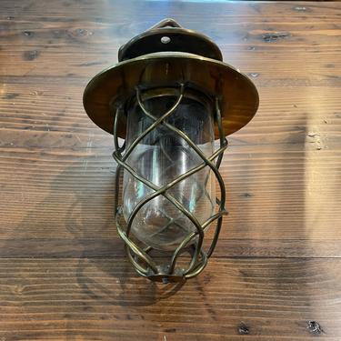 T - Clear Globe Light