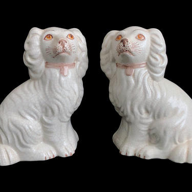 Vintage Pair of Fine Italian Hand Painted Ceramic Pottery Staffordshire Spaniel Dogs Figurines 1960s / 1970s Italy by SwankyChaperooo