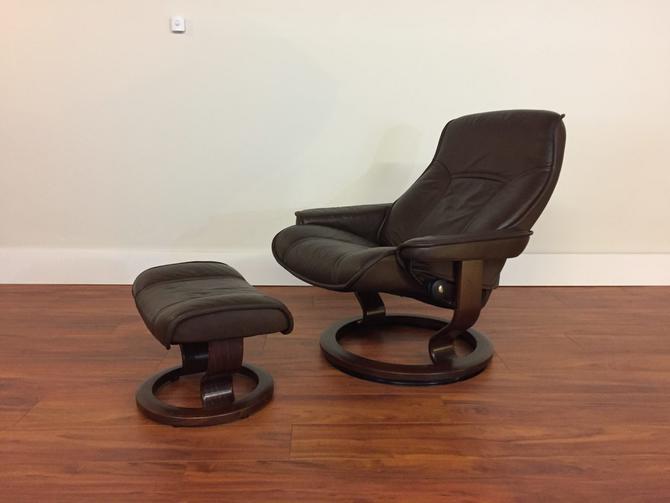 Ekornes Governor Dark Brown Chair & Ottoman