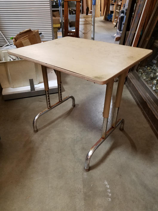 School desk/Table 30 x 27 x 24