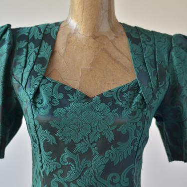 80s Scott McClintock Dress, Fitted Peplum Dress, Hourglass Dress, Midi Dress Emerald Green Damask Brocade Sweetheart Neckline Puffed Sleeves by MOBIUSMOD