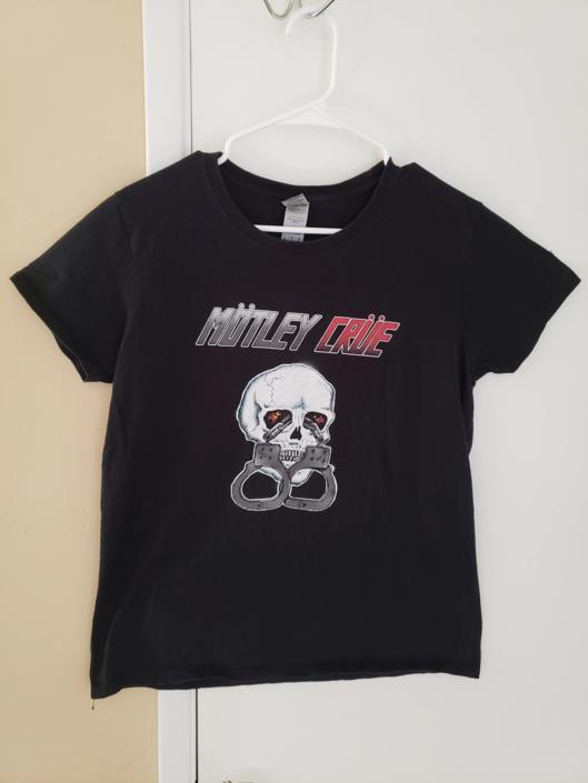 Vintage T-shirt Motley Crue Tee 2000s by Yoko Ono Lennon Small Oversized by RetroVintageClothing