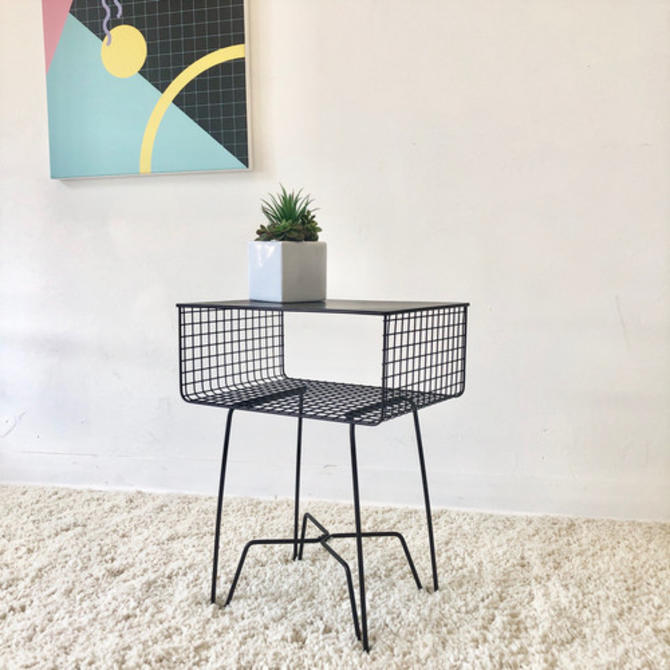 Mod End Table with Hairpin Legs