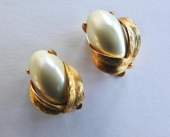 Two Pair Richelieu Faux Pearl Earrings by LegendaryBeast