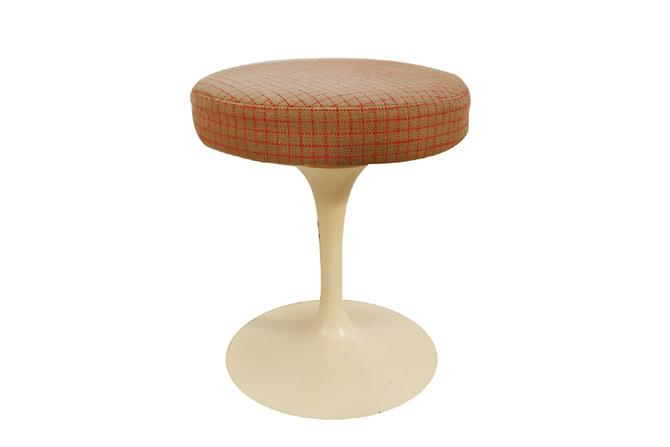 Knoll Eero Saarinen Mid Century Swivel Tulip Stool by Marykaysfurniture