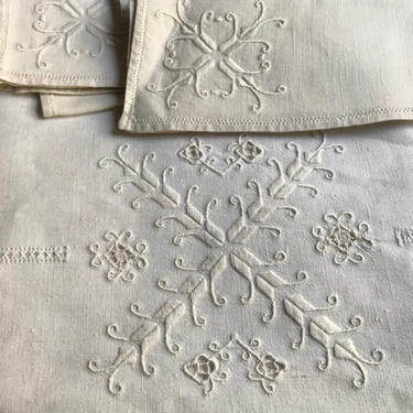 Rustic Italian White Linen Tablecloth, Dinner Napkins, White Embroidery, Vintage Table Linens by JansVintageStuff