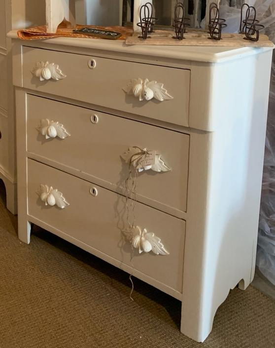 Small Chic White Dresser